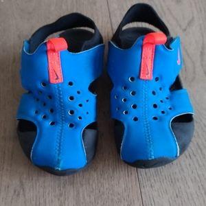 EUC toddler boys size 8 sandals